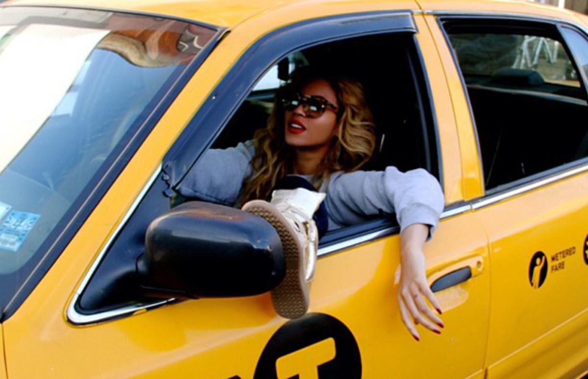 Пожелания, прикольные картинки девушка в такси