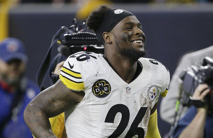 30256b1d9e3 Le Veon Bell Will Reportedly Sign With the New York Jets for  52.5 Million