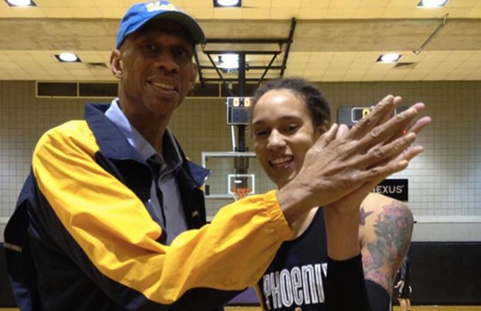 Brittney Griner's Hand is Bigger Than Kareem Abdul-Jabbar's | Complex