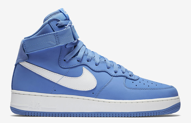 magasin en ligne bd373 b179b Nike Air Force 1 High Retro QS | Complex