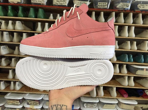 0eb328631b8 John Geiger and The Shoe Surgeon Made a Custom Nike Air Force 1 For Breast  Cancer Awareness