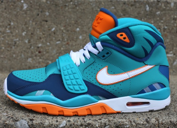 078a14fc227f Nike Air Trainer SC II High QS NFL
