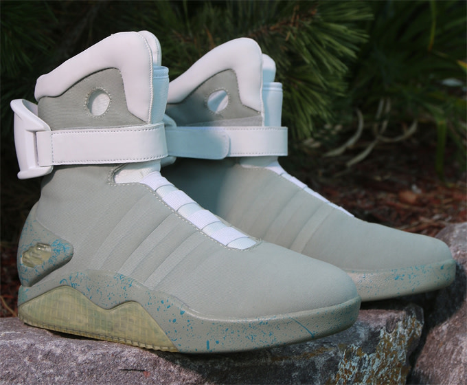 3b34fa24a0d Air Mag Halloween Costume Replica Release Details | Complex