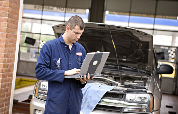 10 Signs Your Mechanic Is Cheating You | Complex