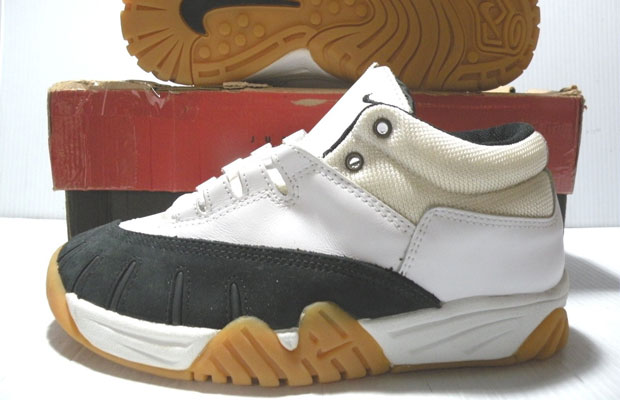 16fb3f3355cd Nike first tried to enter the skateboard shoe market in the mid-90s. It did  not go over well. This was not due to the sneakers themselves, which  weren't so ...