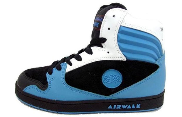 online store b6c99 0428f Airwalk produces the Prototype.