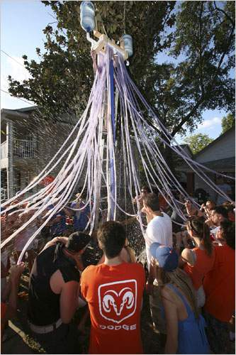 20 Hilariously Creative Beer Bongs | Complex
