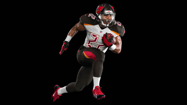 tampa-bay-buccaneers-and-nike-unveil-new-uniform-design-2_large copy