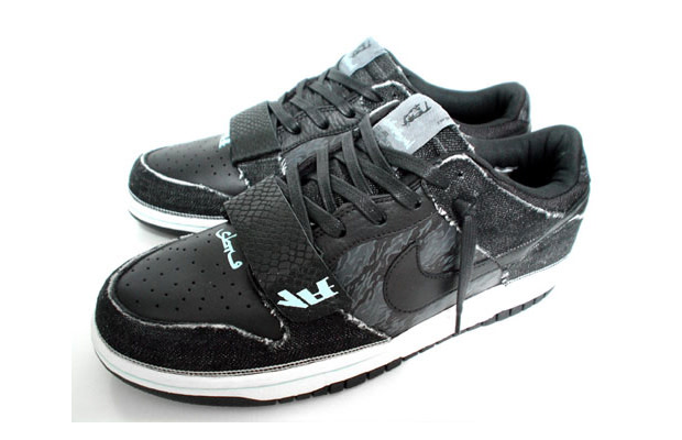 check out 64d4f a8eda Nike Dunk Low