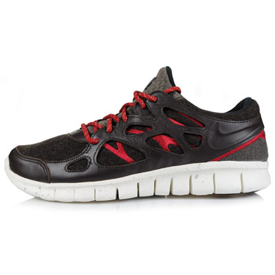 7ddb60faadd Luxurious leather and warm wool wrap this new release of the Free Run+ 2  from the Swoosh. The kicks feature a dark brown drape, accented with red  trim as ...