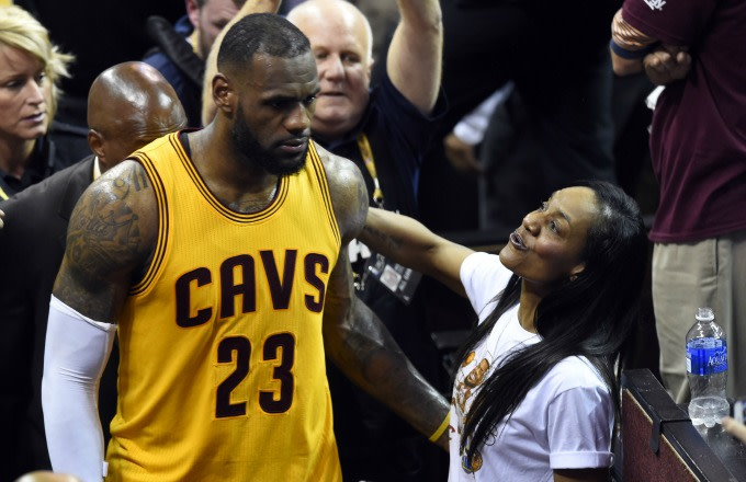 Mavericks Fan Claims LeBron James' Mom Pushed Her After She