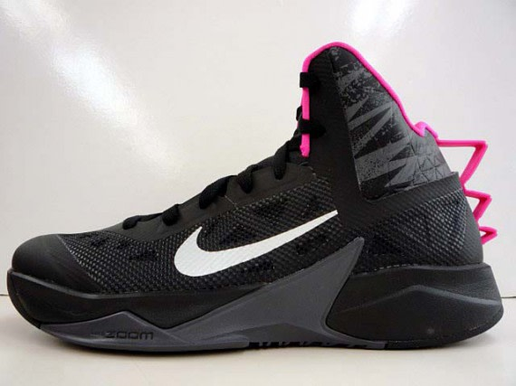 the latest 45ca0 e7282 ... black and pink pair of the Hyperdunk 2013 just yesterday, today we are  back to showcase the same scheme on Nike Basketball s Zoom Hyperfuse 2013  model.