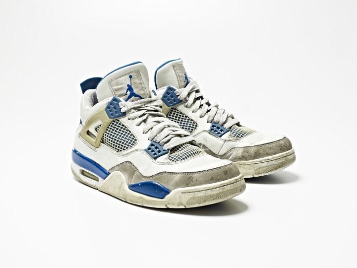 separation shoes 09a35 4d533 15 Classic Sneakers That Look Awesome Beat Up | Complex