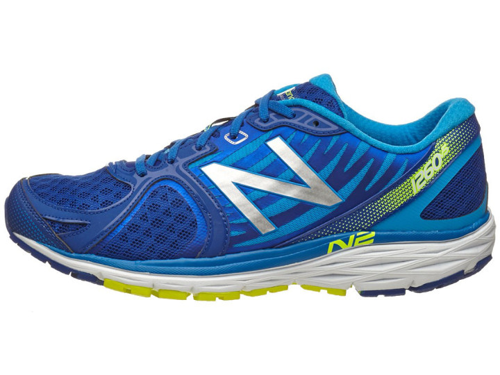 low priced f0634 de85f Best Running Shoes for Flat Feet | Complex