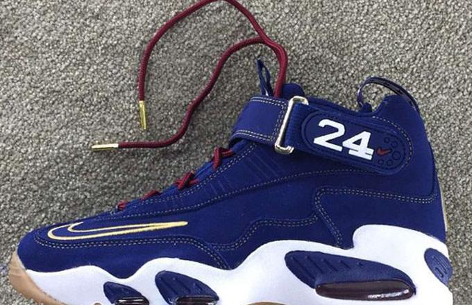 separation shoes a3123 df509 Image via Sneaker Bar Detroit