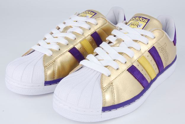 superstar adidas lakers