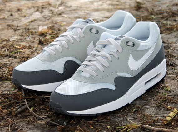 nike air max one essential grey noir