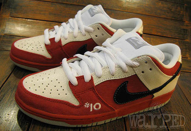 reputable site e8176 6f619 Nike SB Dunk Low QS