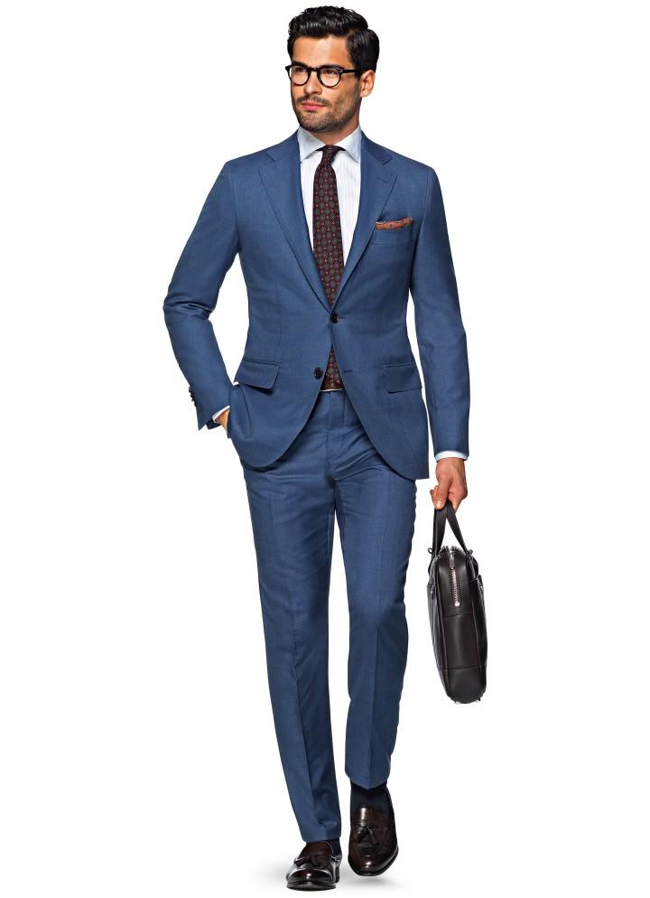 308bfa14d4cde Do Women Prefer Dudes in Suits or Streetwear? | Complex