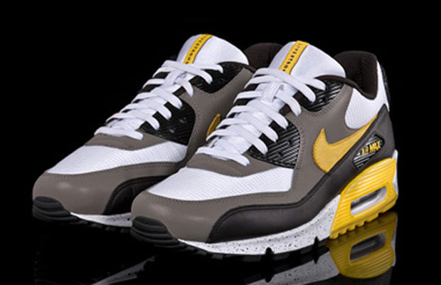 The 15 Best Nike x LIVESTRONG Sneakers of All Time | Complex