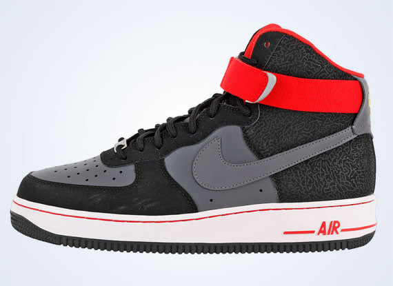 best website aa6e6 b3236 After awarding the elephant print option for the Air Force 1 on NIKEiD, the  Swoosh comes through with an in-house drop featuring the popular print.
