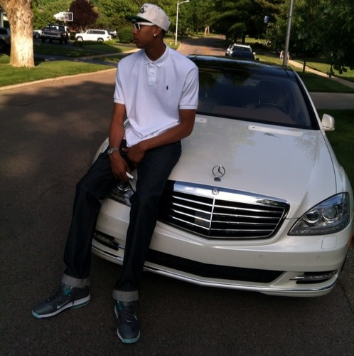 Picture of his Mercedes - Benz S550   car