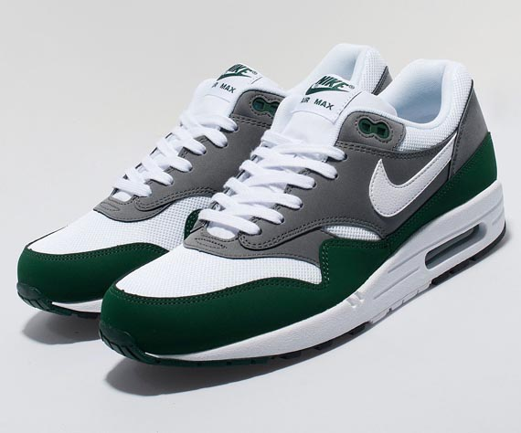 buy best exclusive shoes utterly stylish Nike Air Max 1