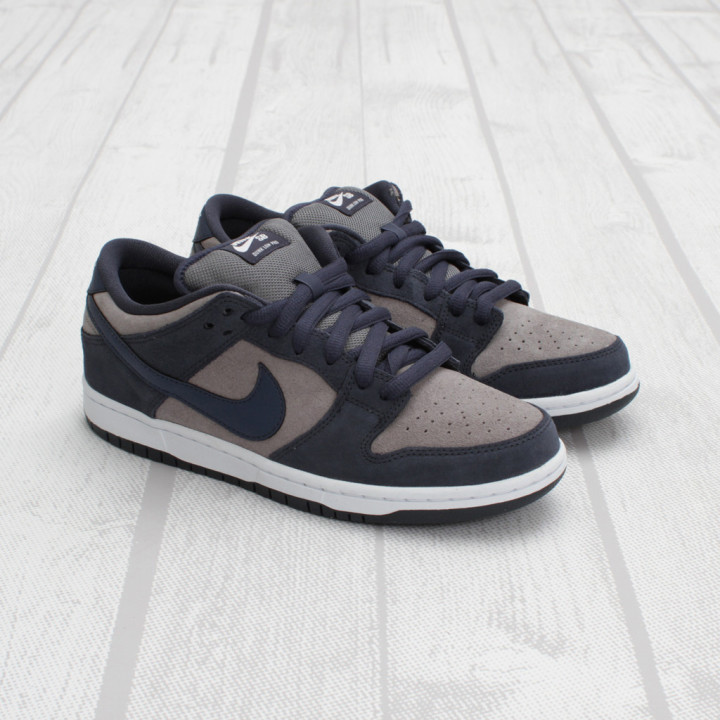 new product 0ccca 2689d Nike SB Dunk Low Pro
