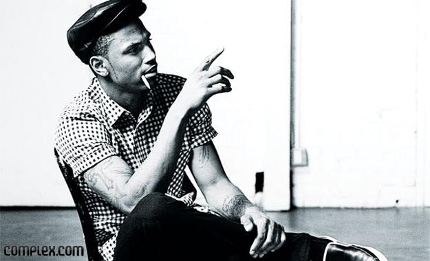 Trey Songz fumador