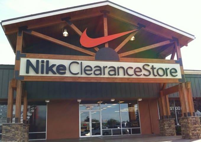 nike clearance store near me