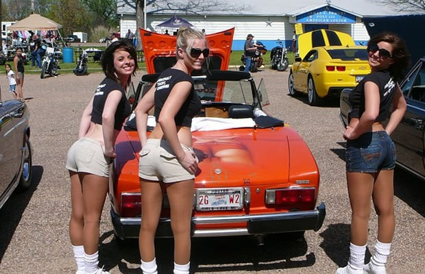 fiat spider 25 photos of hooters girls and cars complex