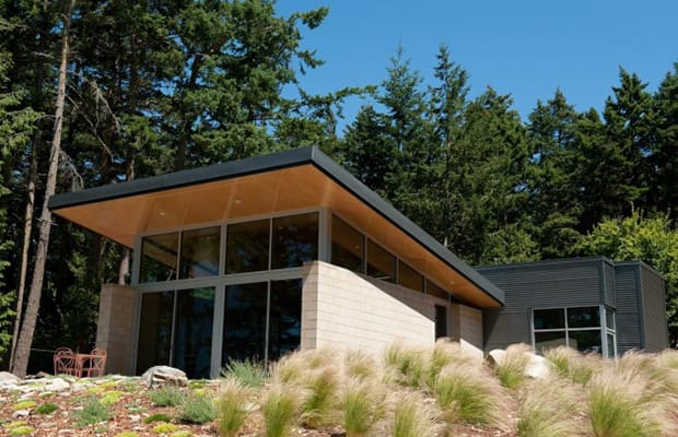 Lopez island cabin 25 awesome winter cabins complex for Cinder block cabin