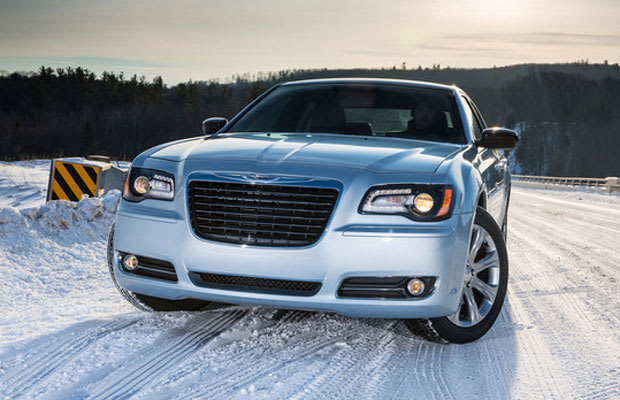 the chrysler 300 gets winter clothes complex. Black Bedroom Furniture Sets. Home Design Ideas