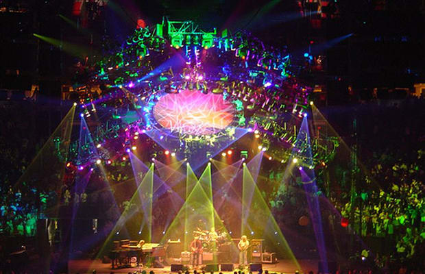 Phish Madison Square Garden The 10 Best New Year 39 S Eve Concerts This Year Complex