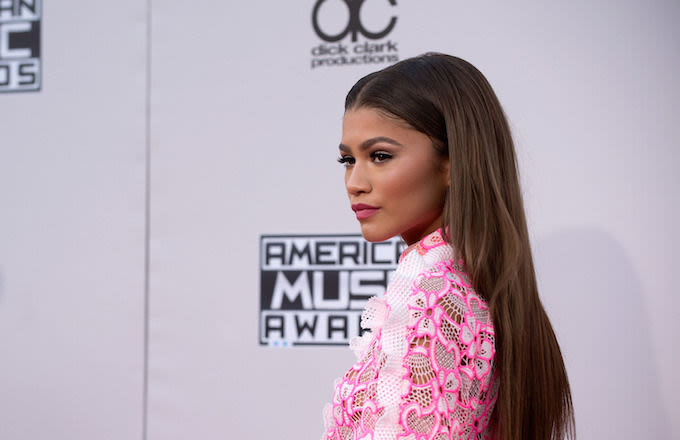Zendaya Claps Back at Julie Klausner After Being Body Shamed on Twitter news