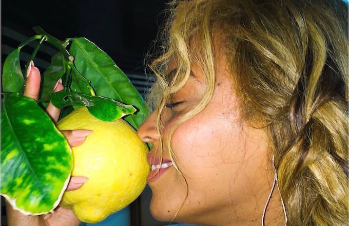 """Twitter Lost its Collective Mind With The News of The Impending Beyoncé """"Lemonade"""" Project news"""