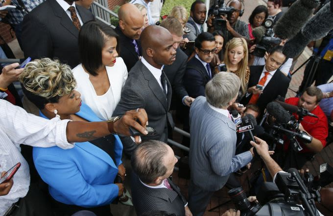 Adrian peterson talking plea deal according to sources complex