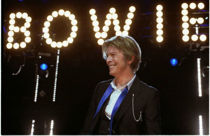 david-bowie-sign-wikimedia