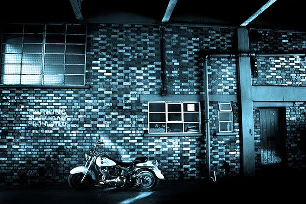 brick-wall-li