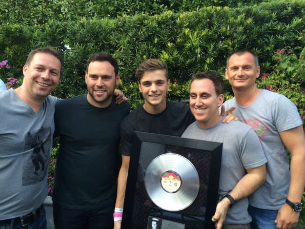 garrix-animals-platinum