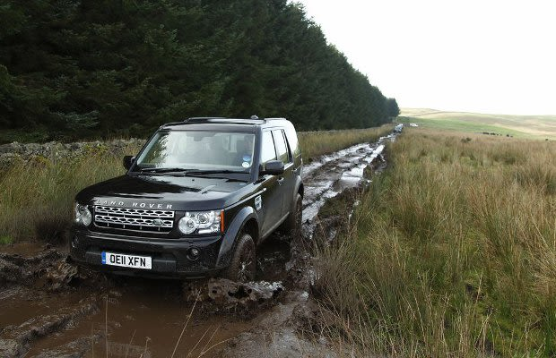 land rover lr4 the 25 best off road cars complex uk. Black Bedroom Furniture Sets. Home Design Ideas