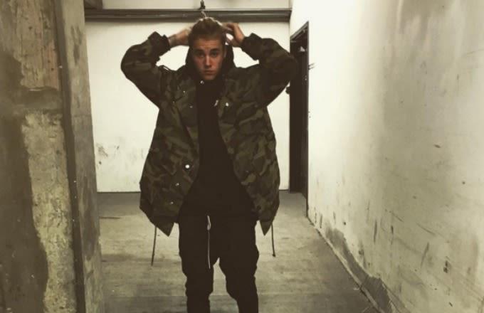 justin-bieber-instagram-selfie-army-jacket
