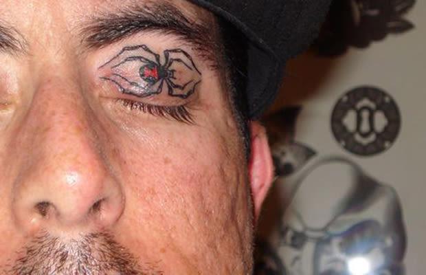 18 25 creepy eyelid tattoos complex. Black Bedroom Furniture Sets. Home Design Ideas