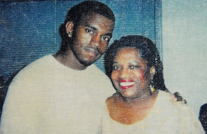 Kanye Tweets Sentimental Message for Late Mother's Birthday