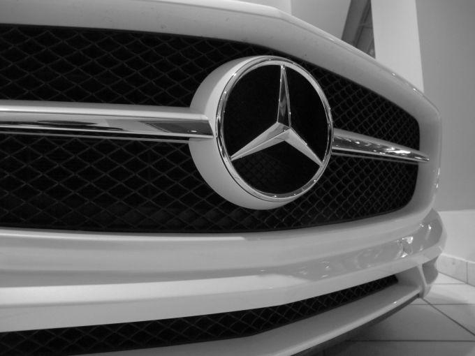 Mercedes benz sls gallery manhattan motorcars in black for Mercedes benz manhattan inc