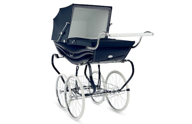10 ridiculously pimped out baby strollers complex for Mercedes benz baby pram