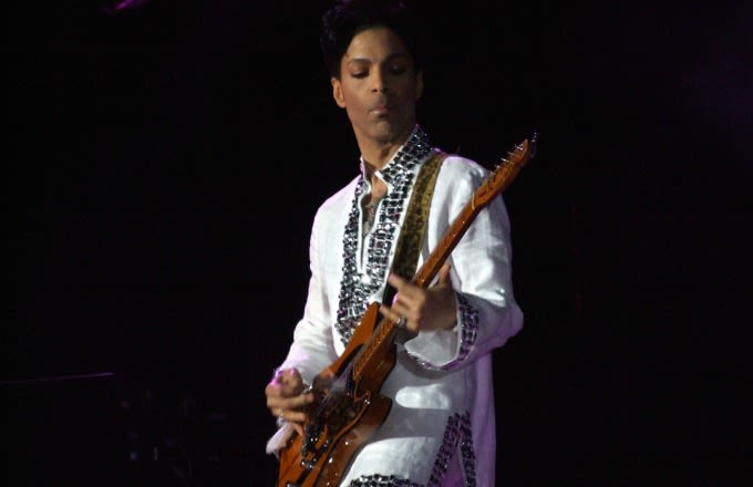Police Say There Were No Signs of Trauma on Prince's Body news