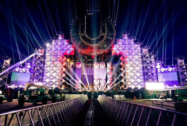 umf-2013-main-stage
