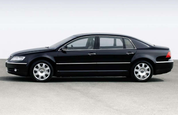 volkswagen phaeton w12 the best stock sleeper cars of all time complex. Black Bedroom Furniture Sets. Home Design Ideas