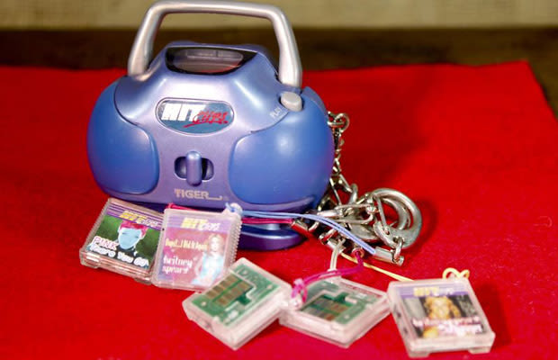 Childhood toys from the 90s- Hit Clips
